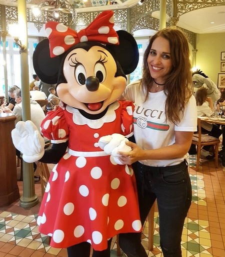 Paula Echevarría divirtiéndose con el Minnie Mouse y Melissa Jiménez despidiendo su soltería en Marruecos