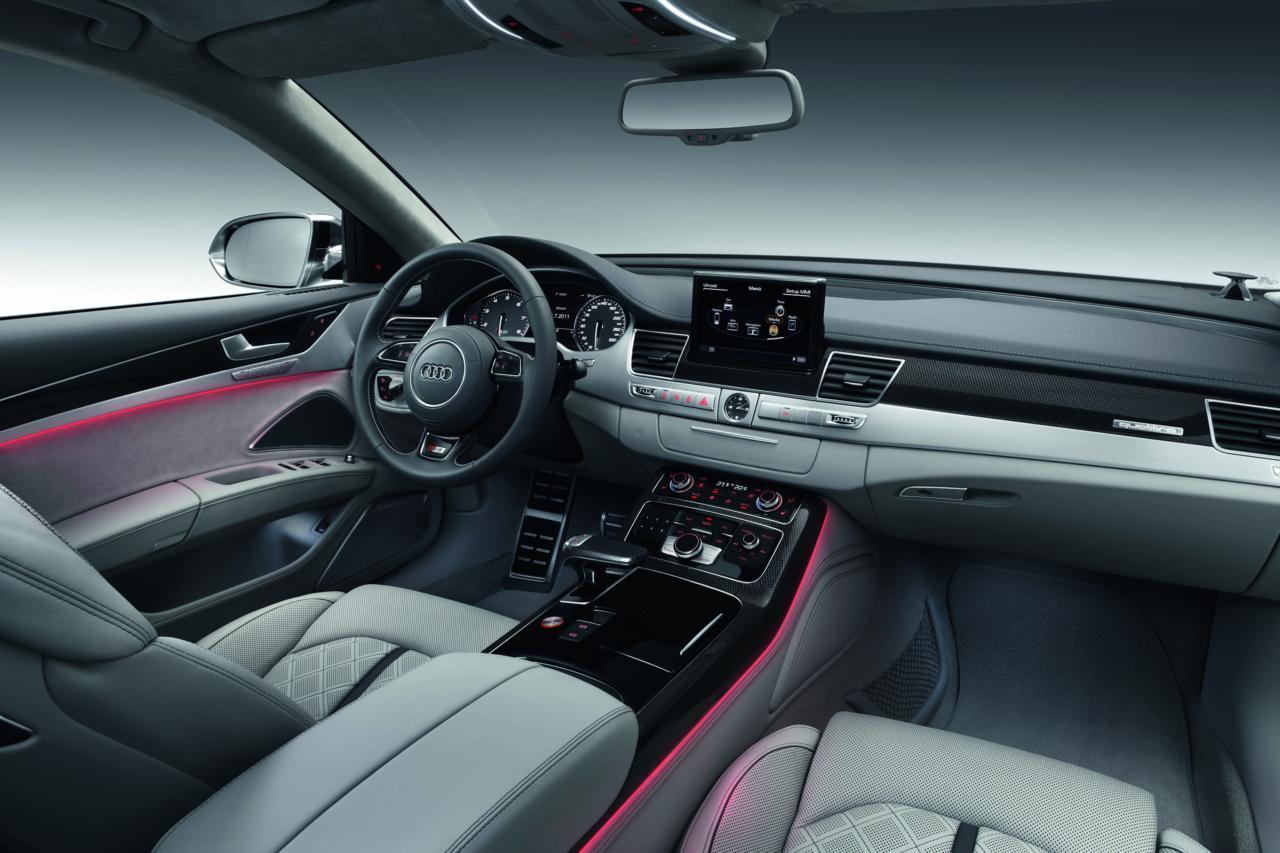 Audi S8 2012 27 70