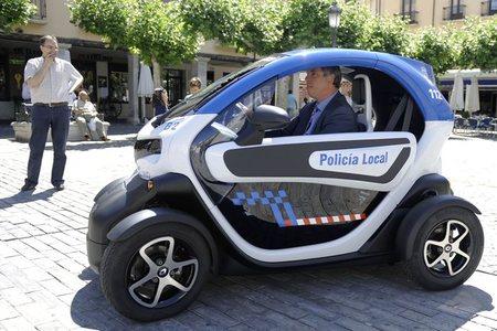 Palencia y Valladolid acuerdan desarrollar el uso del coche eléctrico