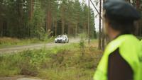 Un día en la vida de Olli J. Ojanen, vigilante de circuito de rallys en Finlandia