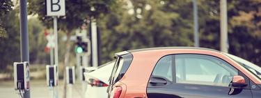Google Maps piensa en el coche eléctrico: filtrará los puntos de recarga compatibles y permitirá pagar desde la app
