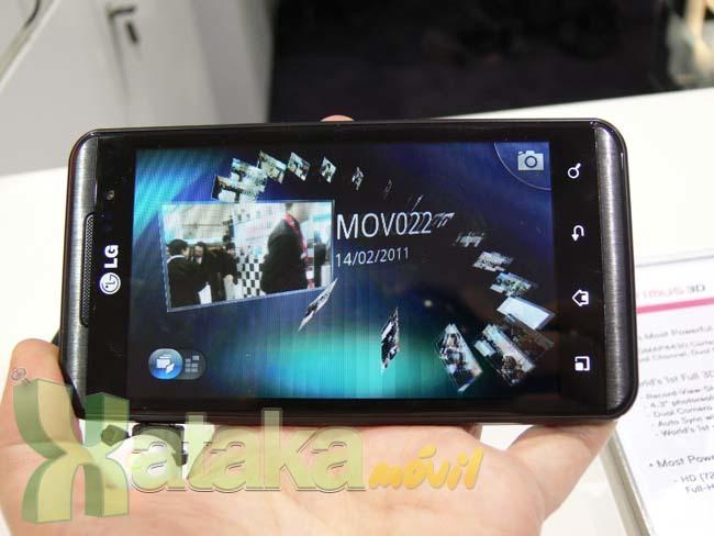 Foto de LG Optimus 3D y LG Optimus Pad en el MWC (6/11)