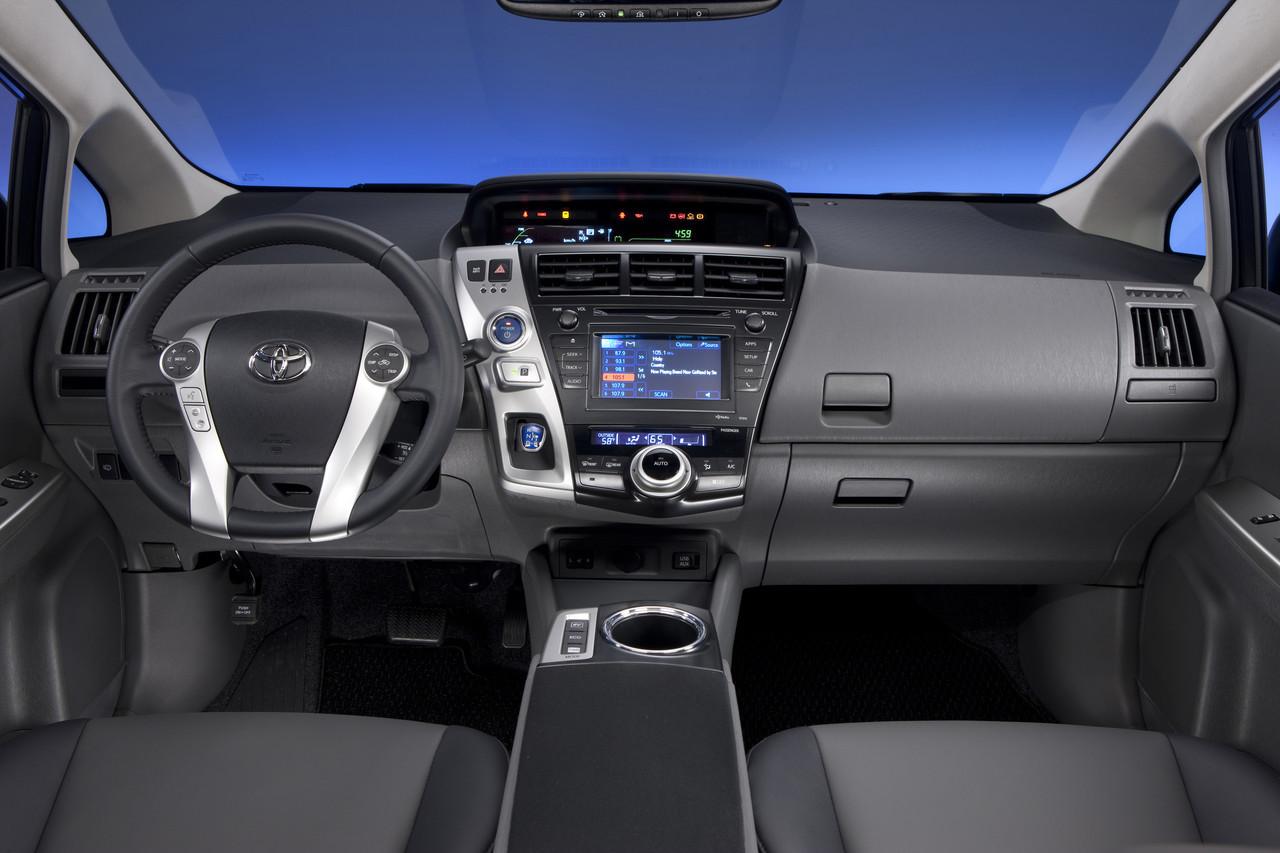 Foto de 2011 Toyota Prius v (59/77)