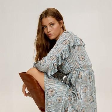 Mango nos propone en su última colección el otoño 2019 más bohemio con vestidos y blusas boho ideales, y un toque años 70