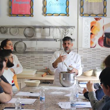 Manu Jara, el emigrante francés de ida y vuelta que ha puesto patas arriba la pastelería de Sevilla