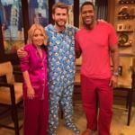 Pónganme un Liam Hemsworth con pijama de osos panda para llevar, por favor