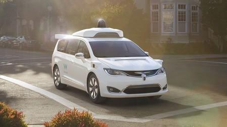 Uber podría utilizar vehículos autónomos de Waymo