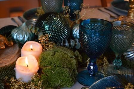 Velas en la mesa de Navidad