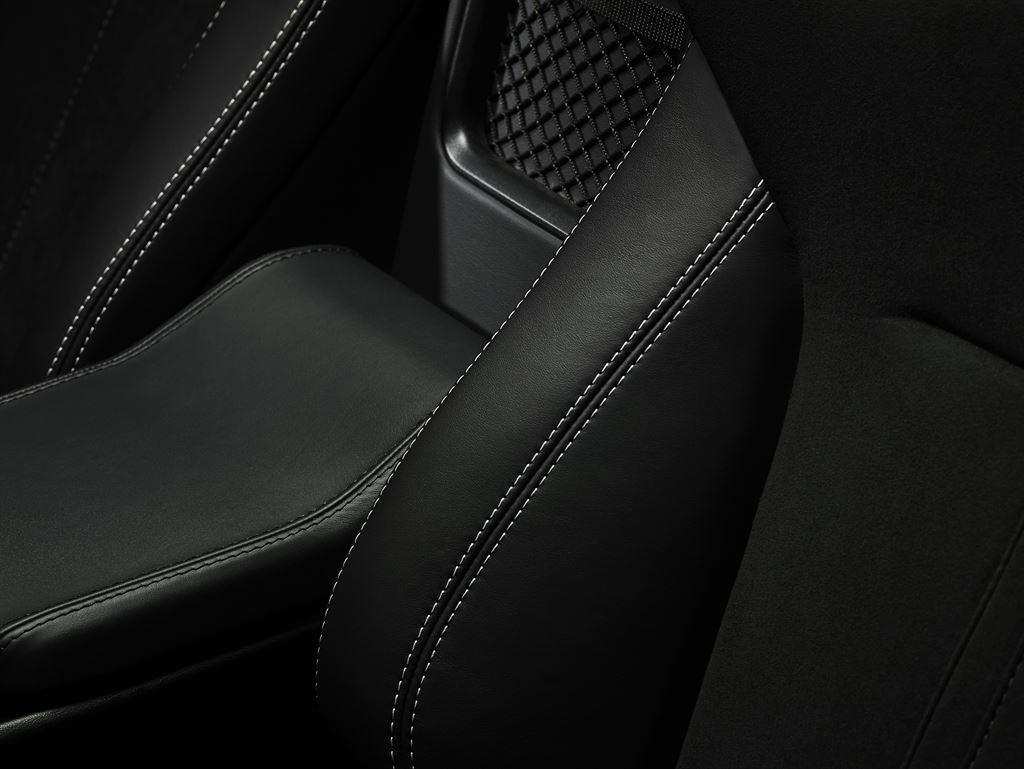 Jaguar F Type 2016 71 76