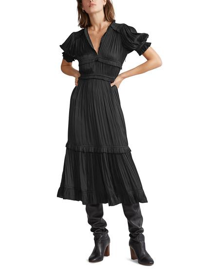 Vestido negro de mujer con escote pico
