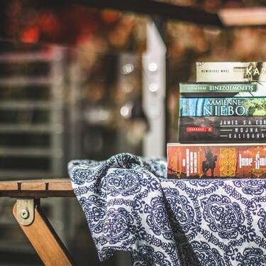 Un rincón de lectura en la terraza: 15 ideas para disfrutar del buen tiempo