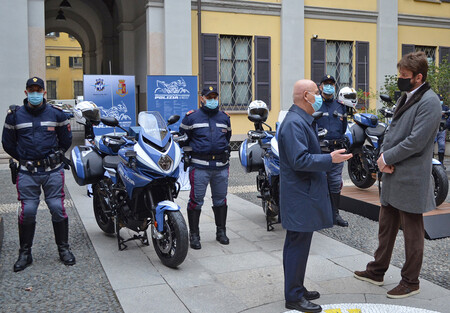 El terror de los cacos de Milán: la policía les perseguirá con cuatro nuevas MV Agusta Turismo Veloce de 110 CV
