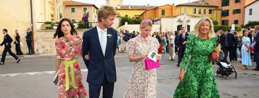 Sassa de Osma se convierte en la invitada perfecta con un vestido de flores con capa corta en la boda de Astrid de Liechtenstein