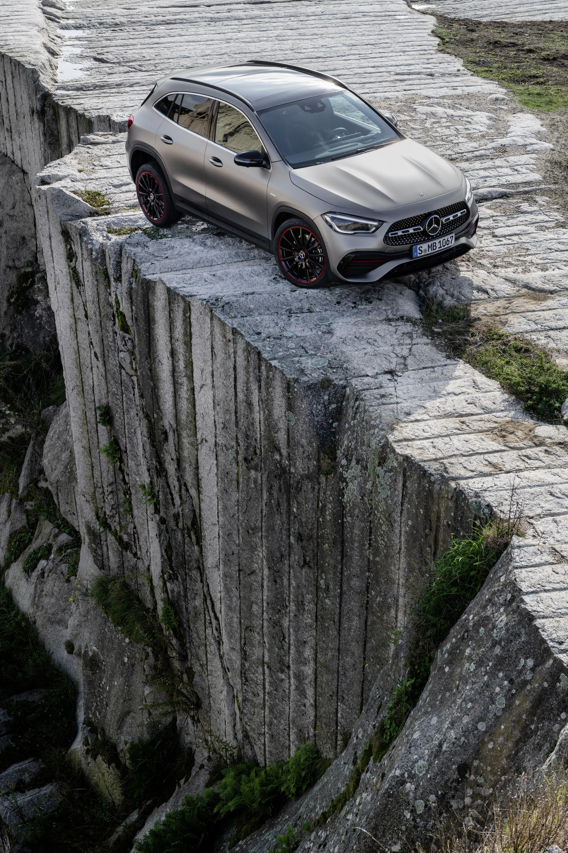 Foto de Mercedes-Benz GLA 2021 (50/103)