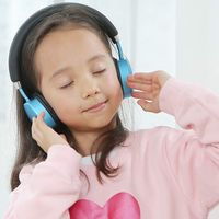 Este es PuroQuiet, el auricular que quiere proteger la salud auditiva de los niños limitando el volumen