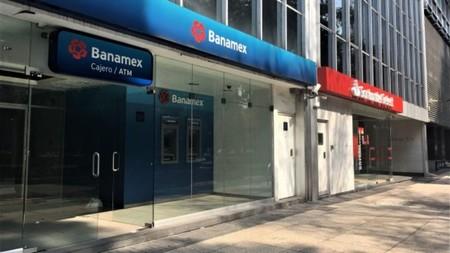 """La """"nueva normalidad"""" de bancos: las quincenas serán escalonadas para evitar aglomeraciones y bancos abrirán a las 10 AM en CDMX"""