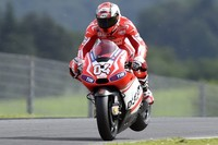 El Ducati Team entrena en Mugello, Luca Scassa se rompe