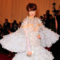 Peores looks peor vestidas Costume Insitute MET Gala Florence Welch Alexander McQueen