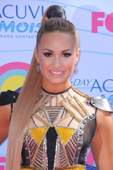 Y seguimos con las celebrities en los Teen Choice Awards (II)