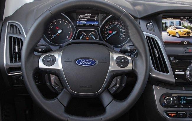 Ford-Focus-volante-1