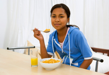 La importancia de una alimentación adecuada en personas delgadas para el aumento de la masa muscular