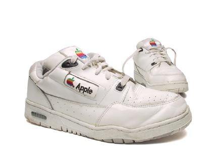 ¡Zapatillas Apple!