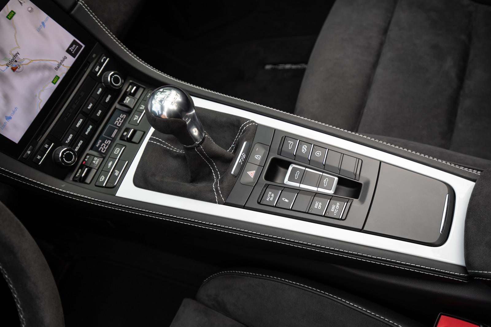 Foto de Porsche 718 Spyder (prueba contacto) (80/296)