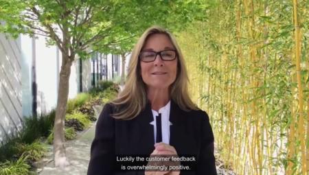 """""""Este es un momento único"""": Angela Ahrendts informa al personal de las Apple Store sobre el Watch y el MacBook"""