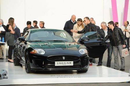 Alcantara for Jaguar XKR 75, la edición limitada de Jaguar por su 75º aniversario