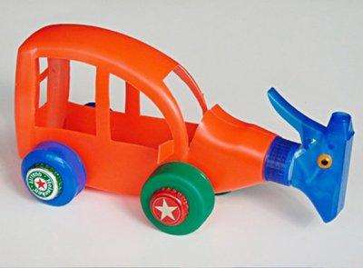Recicla los botes de casa y ¡construye coches!