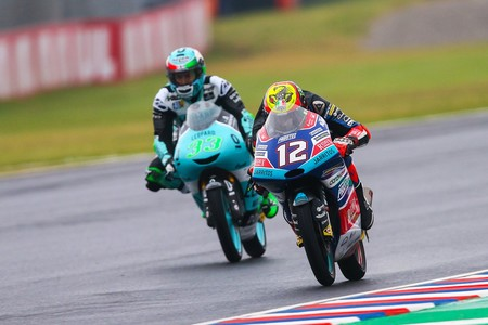 Primera victoria para Bezzecchi, Canet toma el liderato y Martín firma el desastre de Moto3 en Argentina