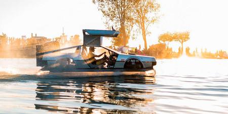 """Este DeLorean te puede llevar """"volando"""" sobre el agua ¡y está en venta!"""