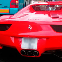 El misterioso caso del Ferrari 458 Italia que cruzó media Europa con una matrícula de papel