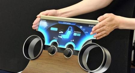 Sharp pretende revolucionar los salpicaderos de los coches con pantallas de forma libre