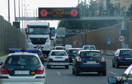 Esta aplicación para el móvil lee en voz alta los paneles de mensaje variable de las autopistas