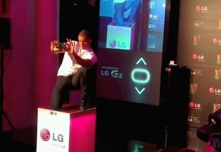 Malena Costa y Brahim Zaibat arropan al nuevo smartphone LG G2 en su fiesta presentación