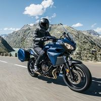 La Yamaha Tracer 700 GT llega en marzo con un precio de 8.999 euros, 700 euros más que la Tracer 700