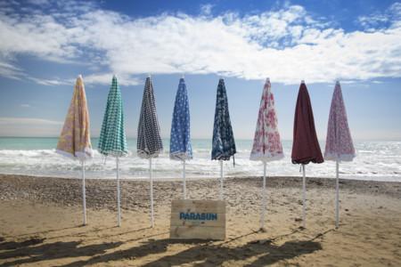 Parasun Ibiza reinventa los parasoles clásicos para un verano con mucho estilo