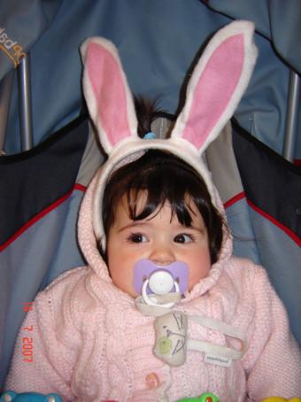 La foto de tu bebé: abrigada hasta las orejas… de conejo