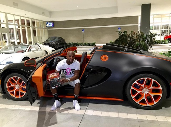 El polémico boxeador Floyd Maywheater subasta su par de Bugatti Veyron por 6 millones de euros