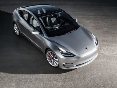 Los números de Tesla de 2017 no son buenos, mientras la competencia se pone las pilas