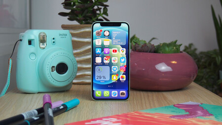 Quiero un móvil compacto: las mejores recomendaciones de móviles pequeños de los editores de Xataka