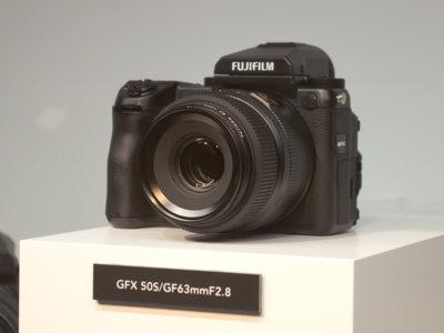 ¿Qué nos ofrecen las nuevas formato medio sin espejo respecto a los modelos tradicionales?