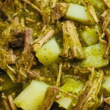 Caldillo en salsa verde estilo Durango. Receta fácil de comida tradicional mexicana