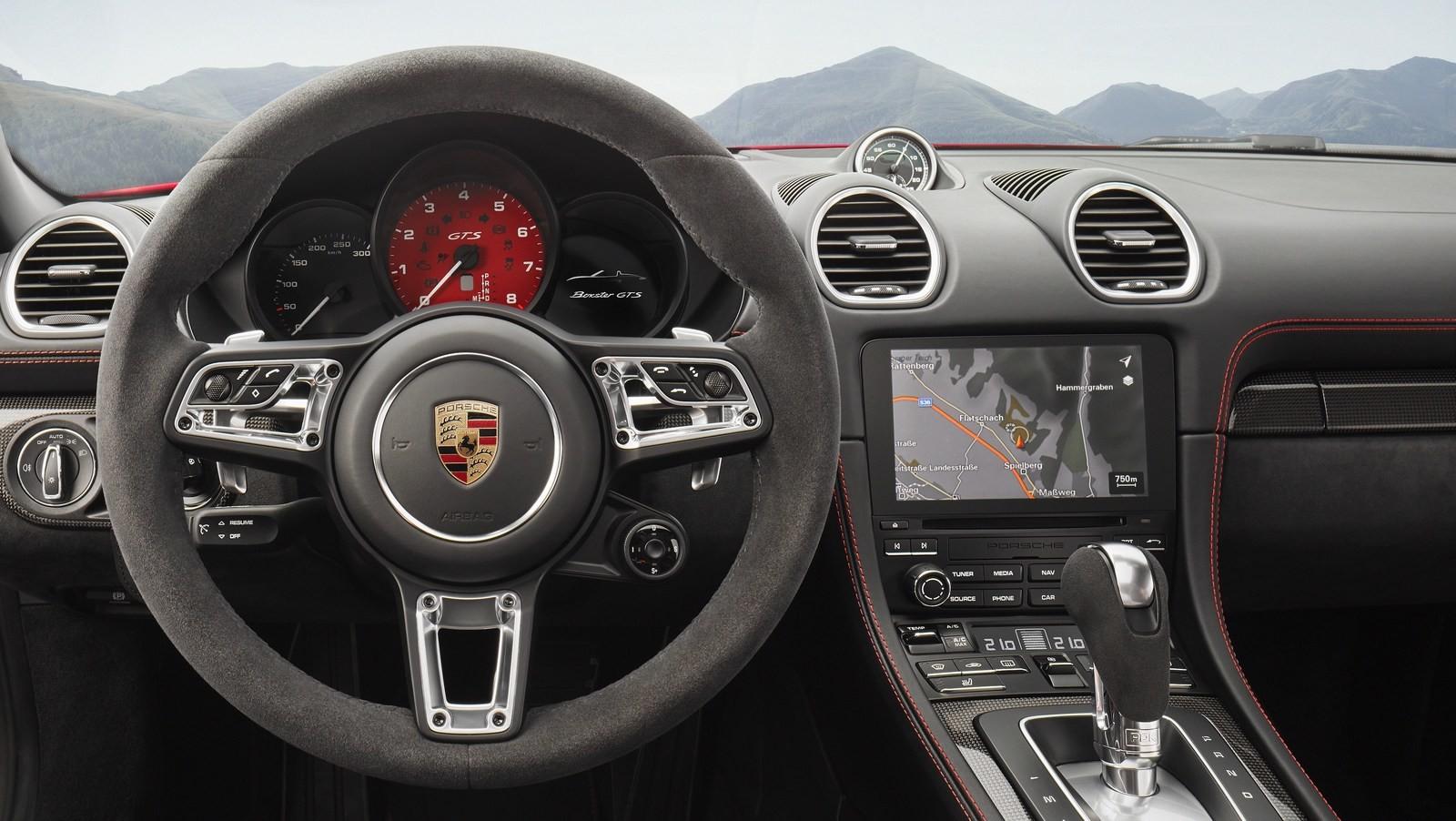 Foto de Porsche 718 GTS (15/16)
