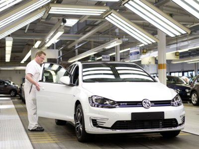 Con todo y DieselGate, Volkswagen destrona a Toyota como el mayor fabricante de autos a nivel mundial