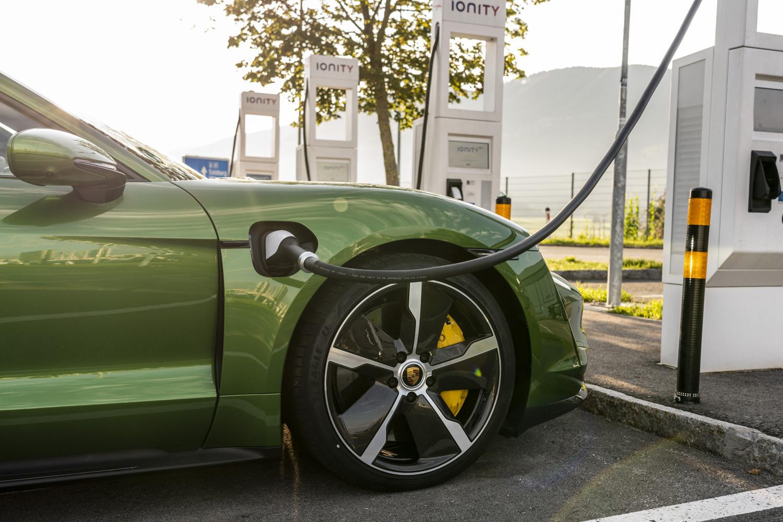 Foto de Porsche Taycan prueba contacto (252/275)