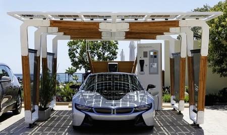 Pérgola solar de aparcamiento de BMW i 02