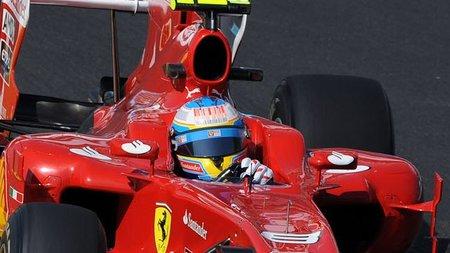 GP de Gran Bretaña 2010: Fernando Alonso tercero, detrás de dos estratosféricos Red Bull