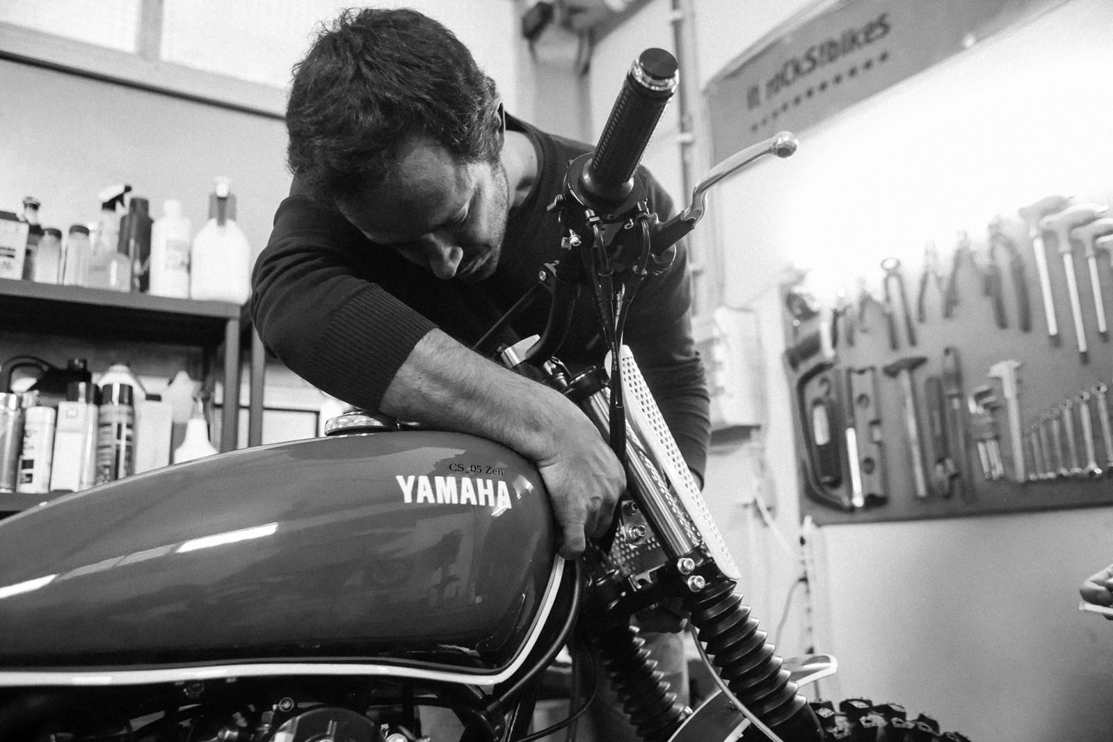Foto de Yamaha SR400 CS_05 Zen (31/35)